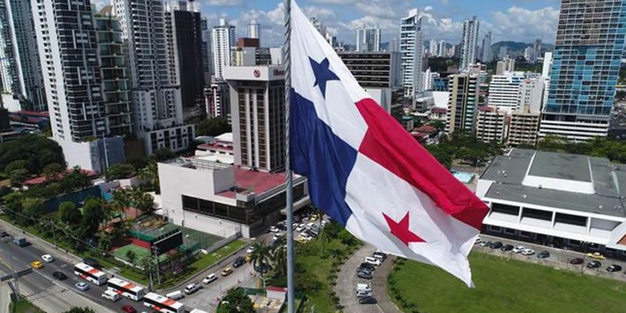 Moody's rebaja la calificación de Panamá - Marzo 2021